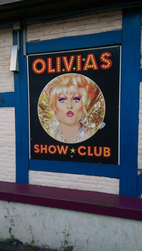 Schild mit Olivia Jones in Hamburg.