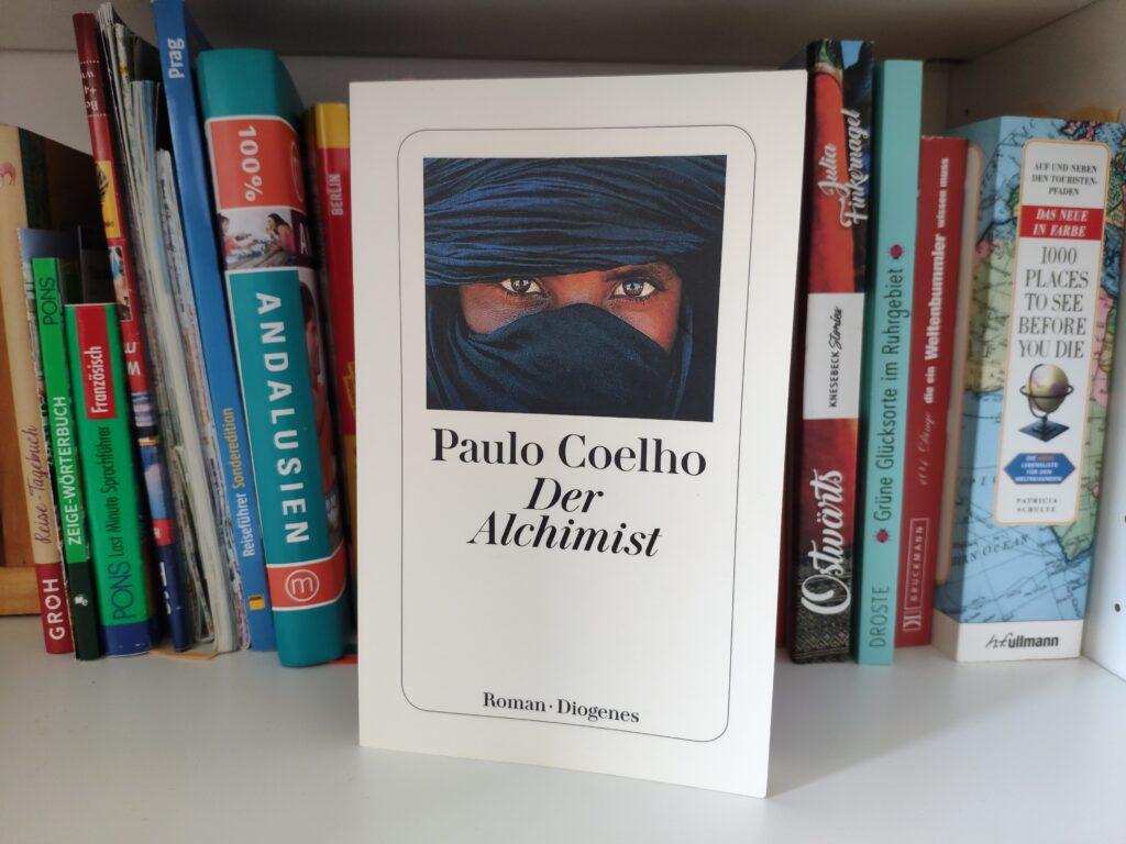 Buch der Alchemist von Paulo Coelho im Diogenes-Verlag.