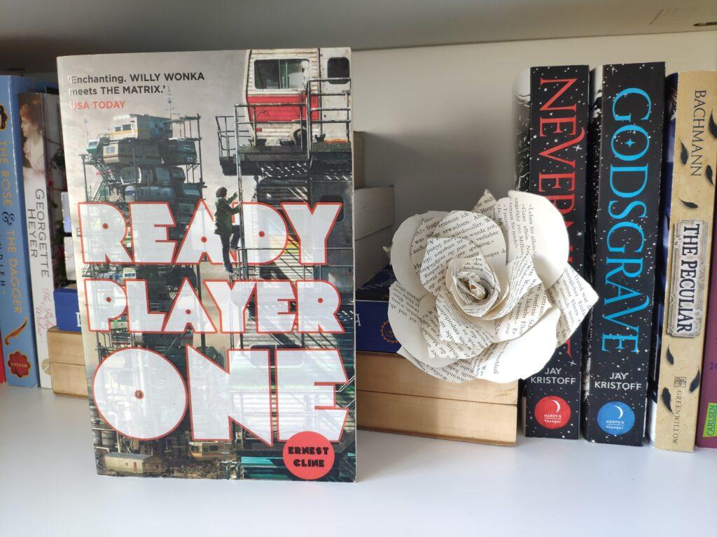 Das Buch Ready Player One von Ernest Cline ist eine moderne Dystopie.