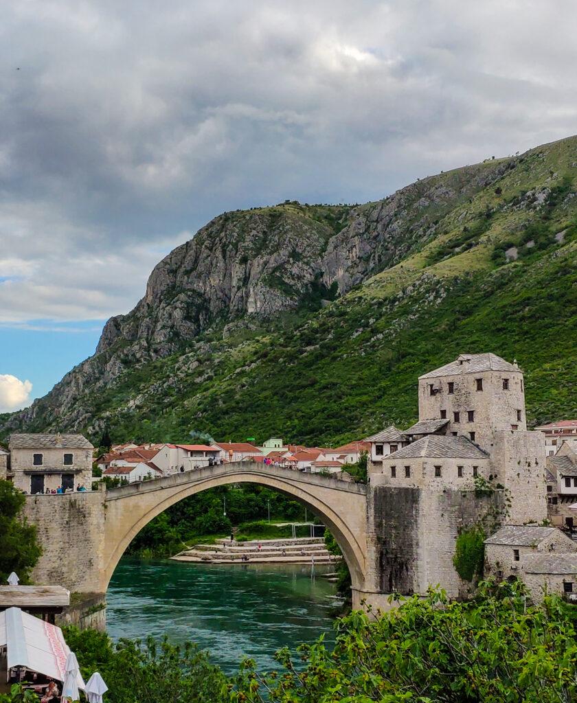 Die Stari Most, Old Bridge in Mostar, Bosnien und Herzegovina.