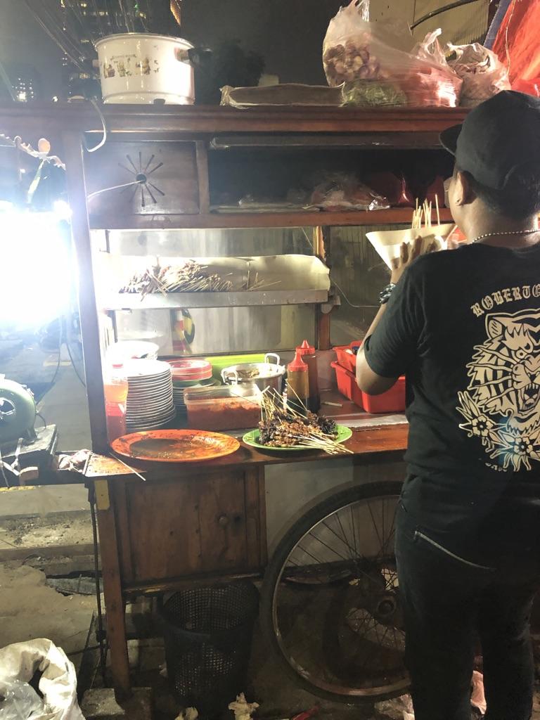 Essensstand in Jakarta, Indonesien.